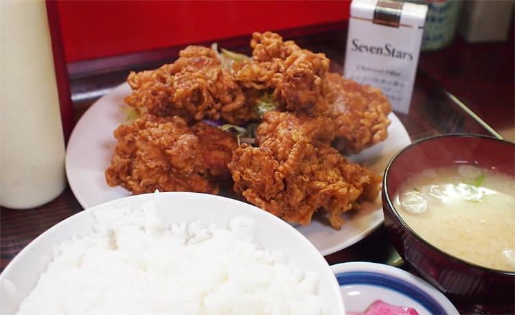 盛岡高松の池横の「盛岡食堂」の唐揚げ定食